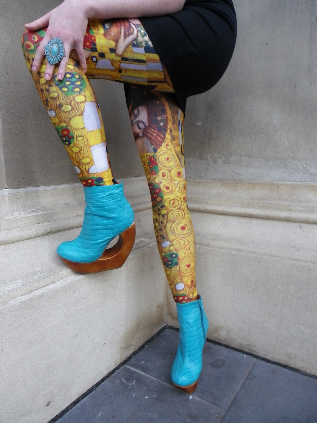 Klimt Der Kuss Wallpaper These Shoes Are Also