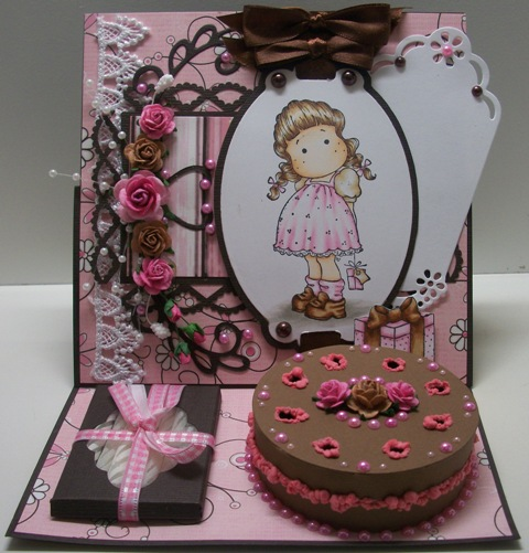 Paola s Paper Haven: Easel cake card