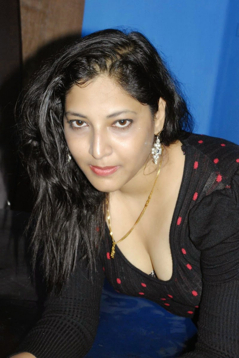 actress tharuna hot cleavages show stills cine gallery actress tharuna hot cleavages show stills