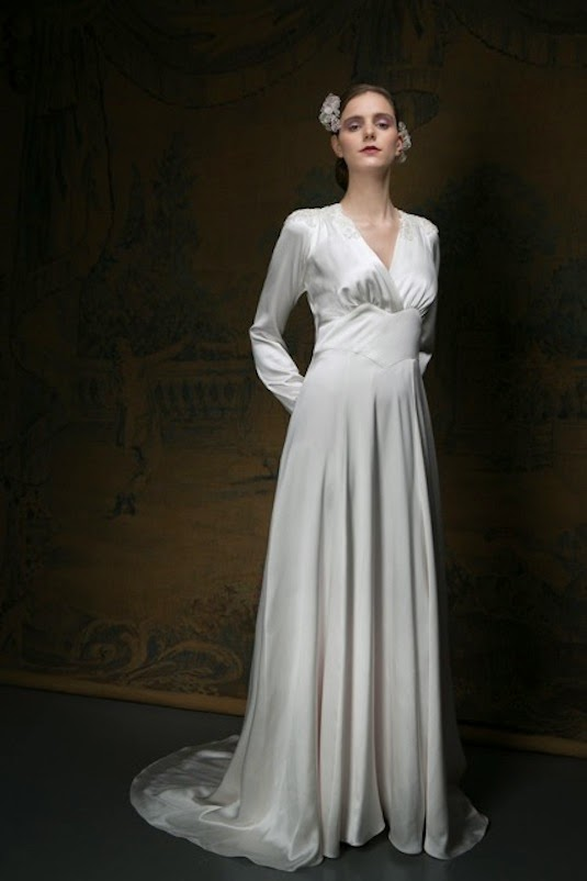Vintage wedding dress Florence, 1940s style in silk with long sleeves