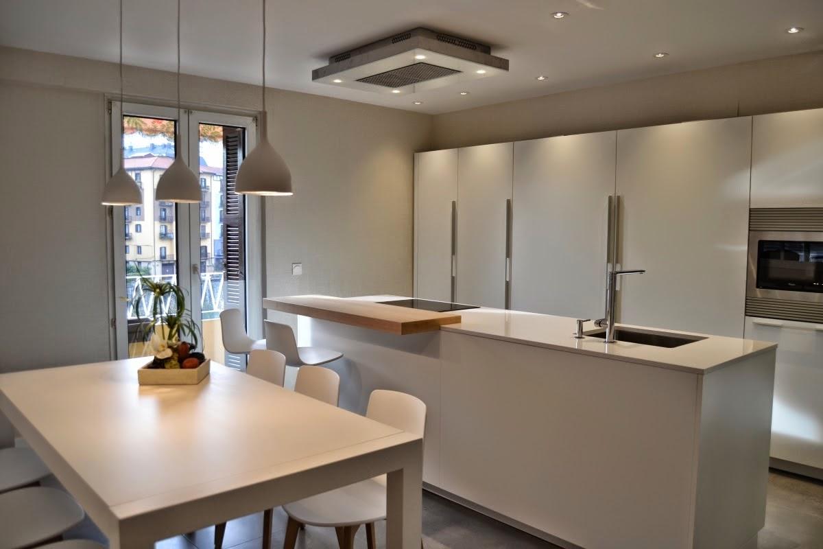 Una isla de cocina autosuficiente cocinas con estilo ideas para dise ar tu cocina - Cocinas con islas ...