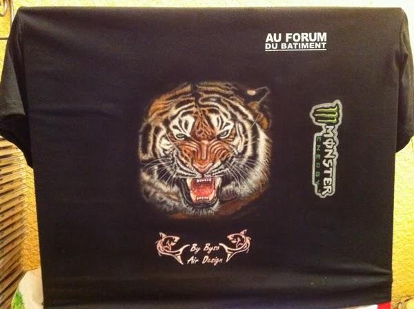 photo(14) tuto et pas a pas tigre sur teeshirt peinture aérographe
