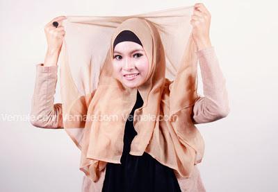 cara memakai jilbab polos segi empat