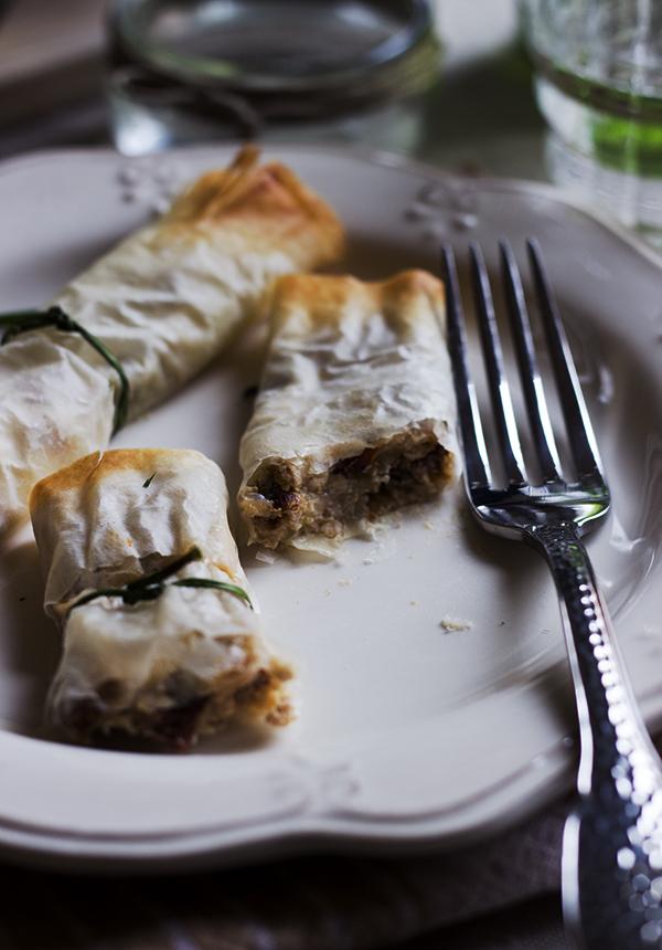 involtini di pasta fillo con ricotta e pomodori secchi # rollitos de pasta filo con ricotta y tomates secos