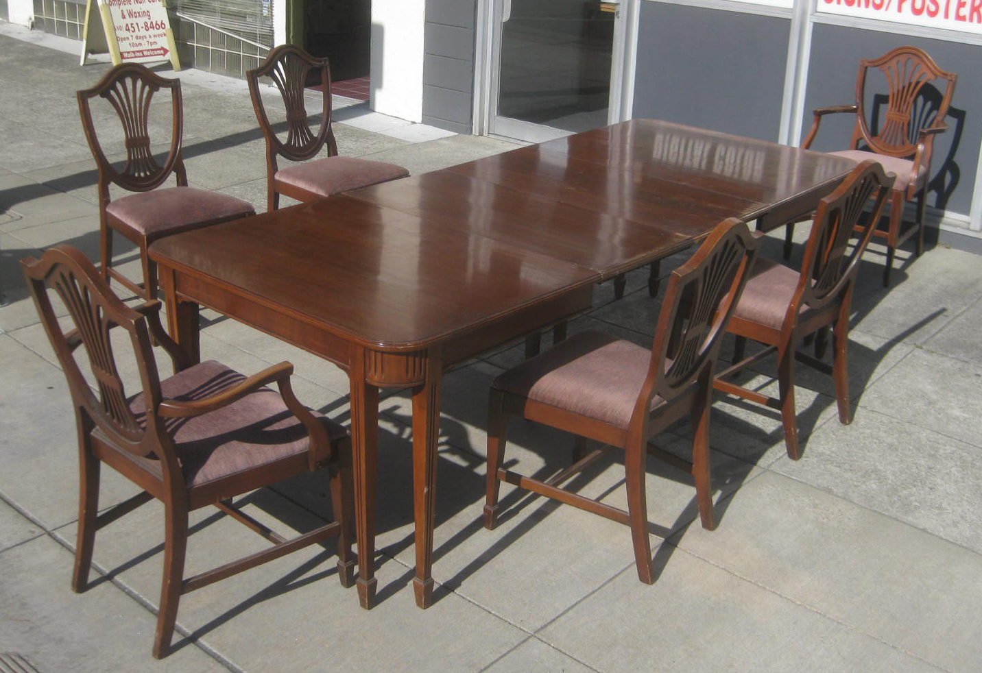 UHURU FURNITURE COLLECTIBLES SOLD Mahogany Table 2 Leaves 6 Chairs
