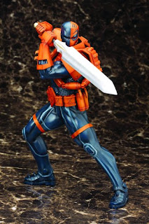 Deathstroke the Terminator Character Review - Statue Product