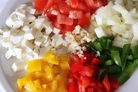 picada de pimiento, tomate, cebolla