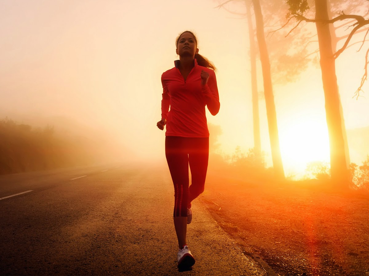 Ưu nhược điểm của việc đi bộ buổi sáng và đi bộ buổi tối