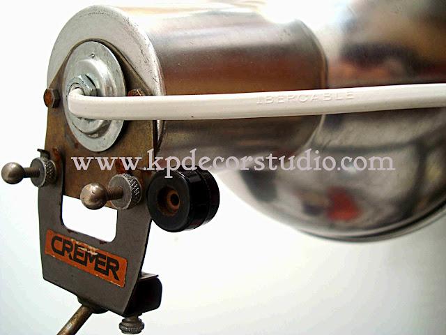 Comprar lámpara vintage, industrial. fotografía, metálica, aluminio. Artículos de segunda mano originales.
