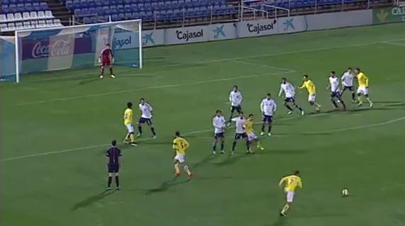 0-1 gol de Nauzet de falta