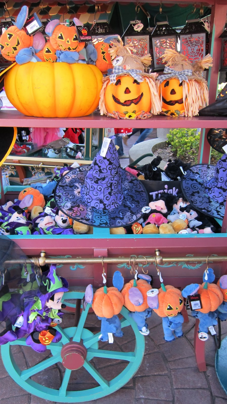 disneyland paris cast member: halloween merchandise