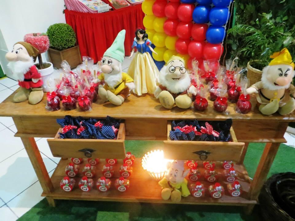 decoracao branca de neve baby:mamãe Jacyara, escolheu todas as embalagens, doces e detalhes da