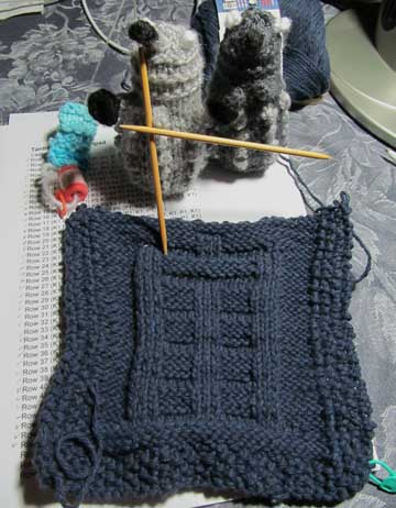 Free Baby Blanket Knitting Patterns Chunky Yarn : The Dragons Cache: When Daleks Knit