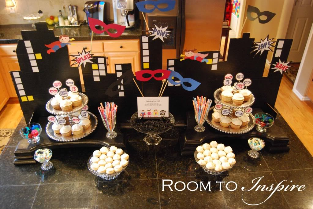 Party Frosting Superhero Superman Party Ideas And Inspiration