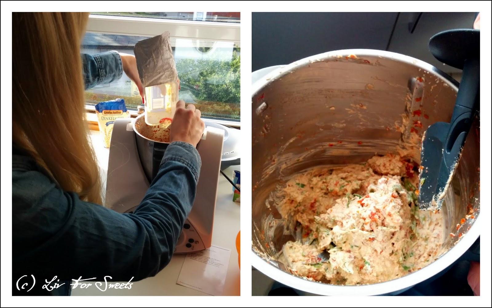 Mit Frischkäse und getrockneten Tomaten wird im Thermomix TM31 ein Dip oder Aufstrich gemacht