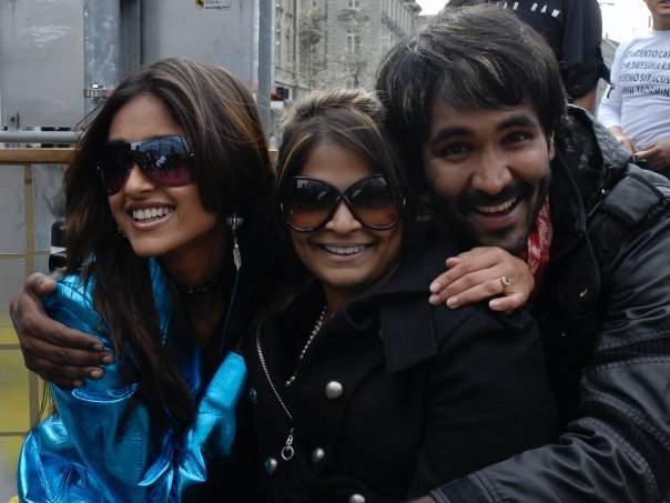 Ileana Latest Photo Collection With Her FriendsFamilyCollegues film pics