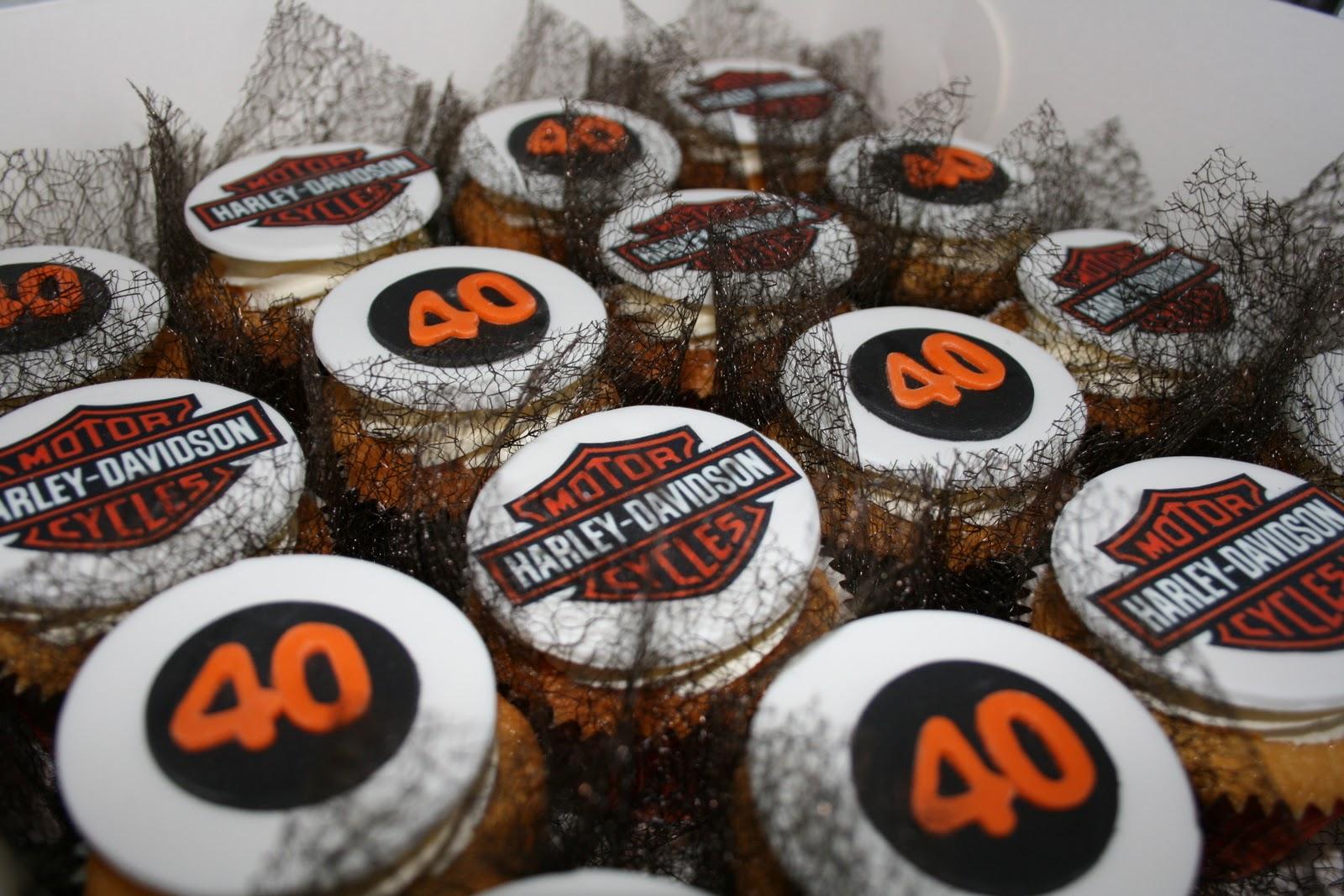 Harley-Davidson Cupcake Cake