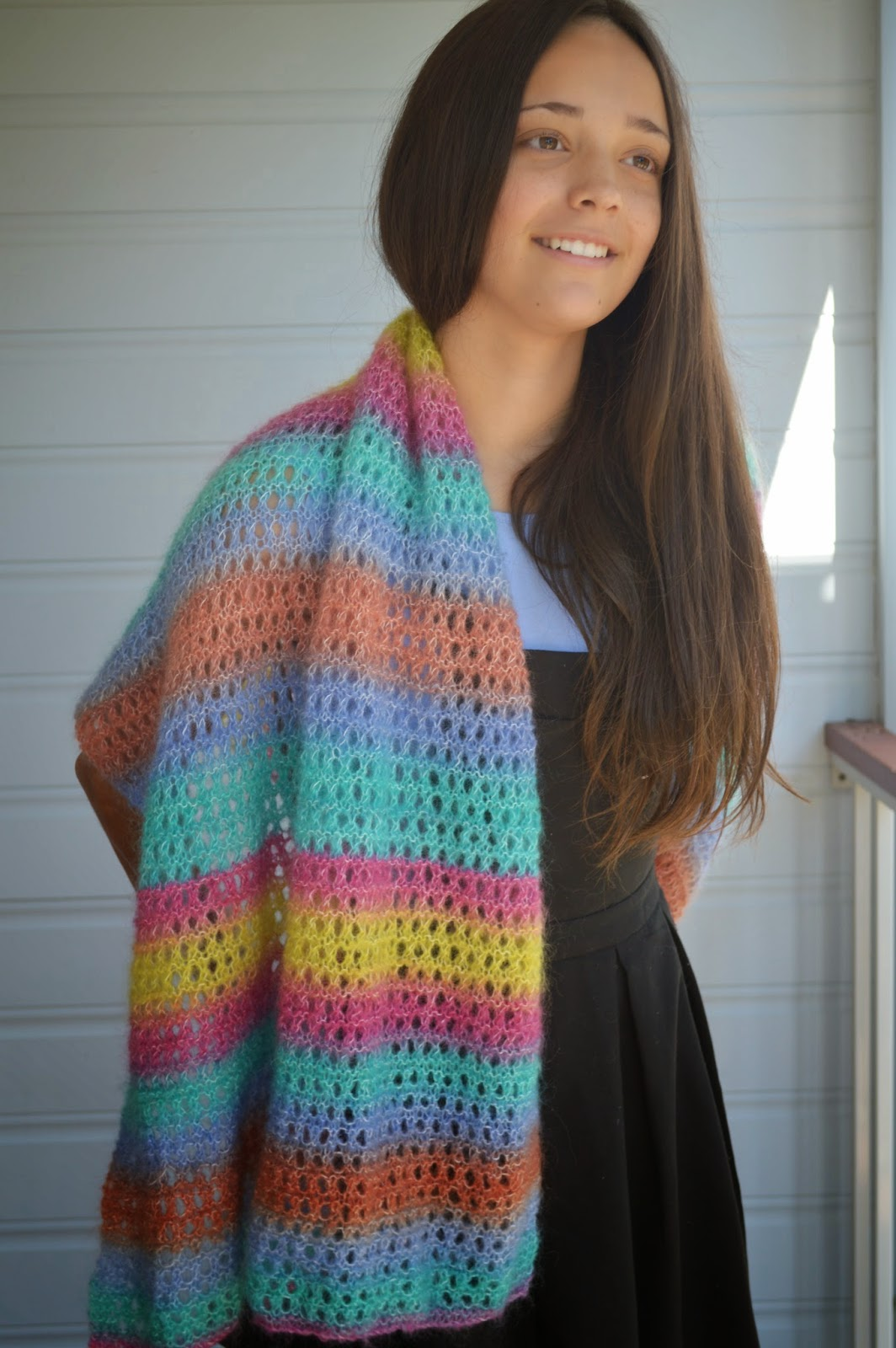 An easy to knit shawl or scarf | The Wheels of Life . . . go round ...