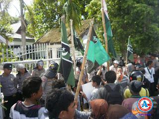 HMI Bima dan Masyarakat Utama Anti Kekerasan Kecam Insiden Sape