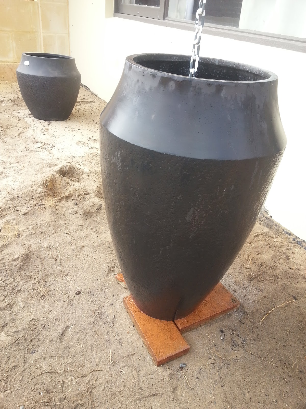 how to make soil drain better in pots