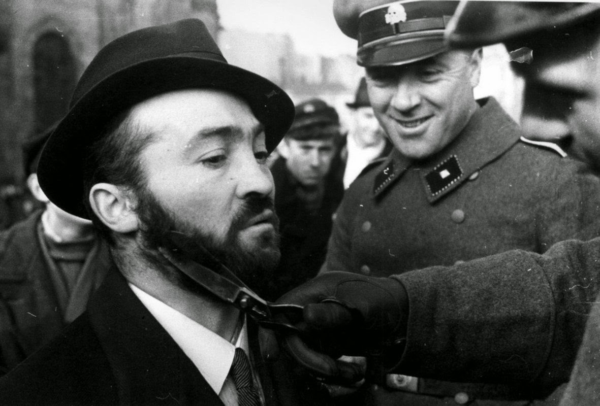 Photograph shows a member of the security service sicherheitsdienst