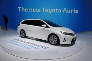 toyota auris ibrida