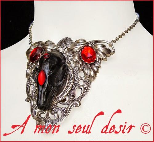 Collier Vampire Crâne Chauve Souris Dracula Vampirella Bat Skull Necklace Gothiu Jewelery Halloween