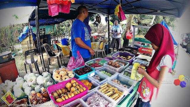 Jenjalan Cari Makan di Taman Nusantara