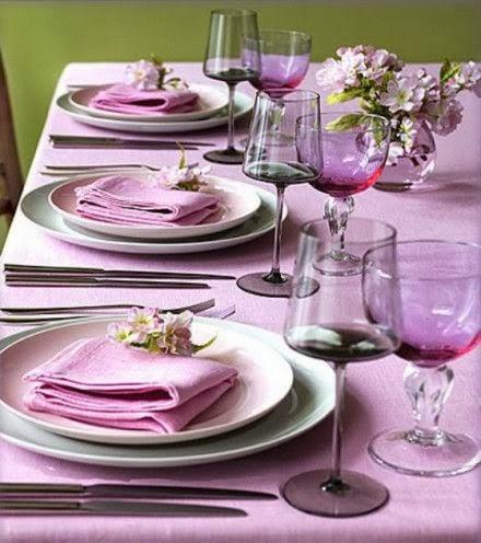 Servilletas, mantel violeta