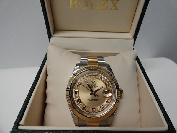 Rolex-Replique-Revue-Day-Date-Champagne-Dial-Replique