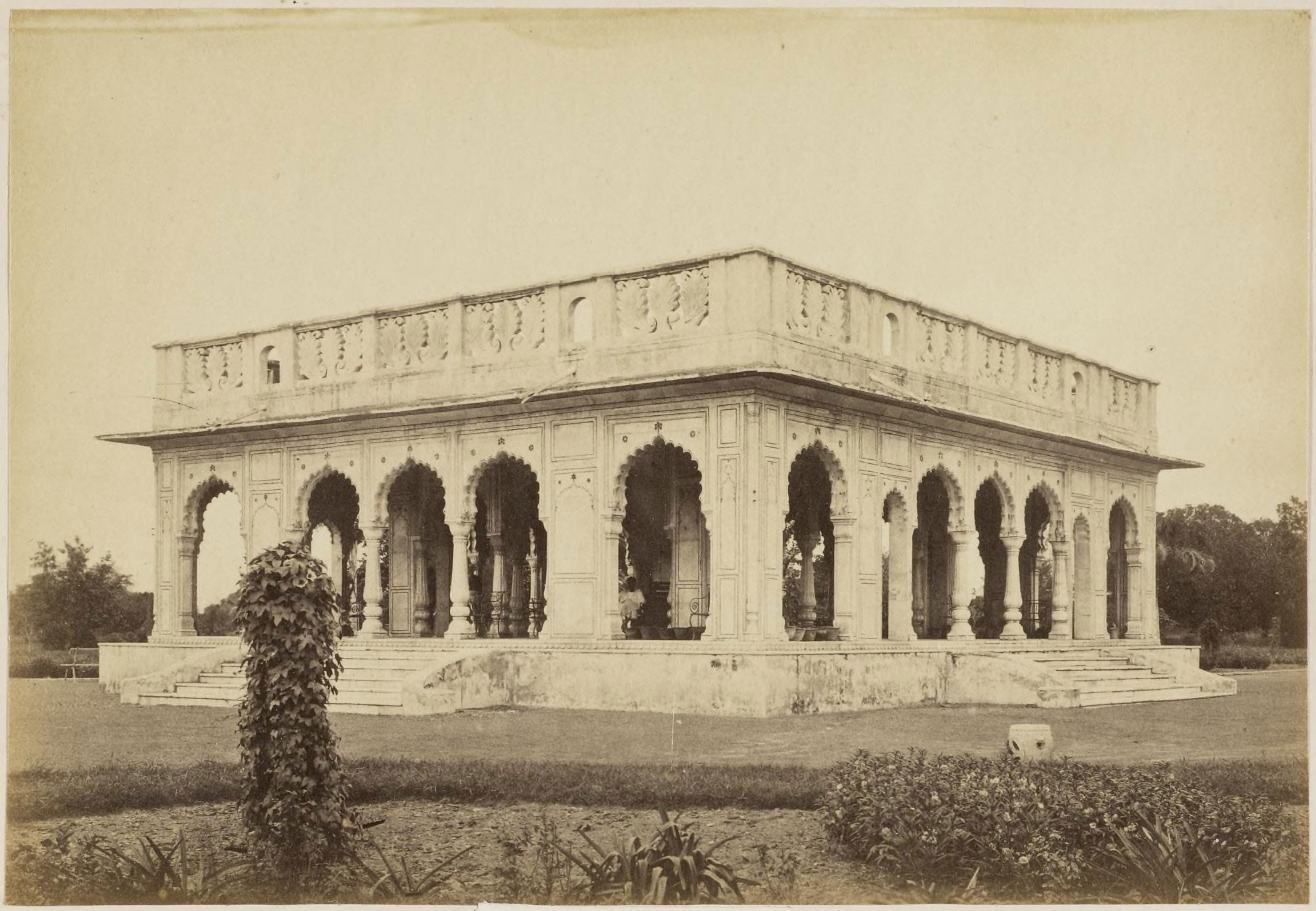 Wingfield park lucknow 1870 39 s old indian photos for Home architecture in lucknow