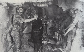Drilling in the Kimberley Mine in 1894.