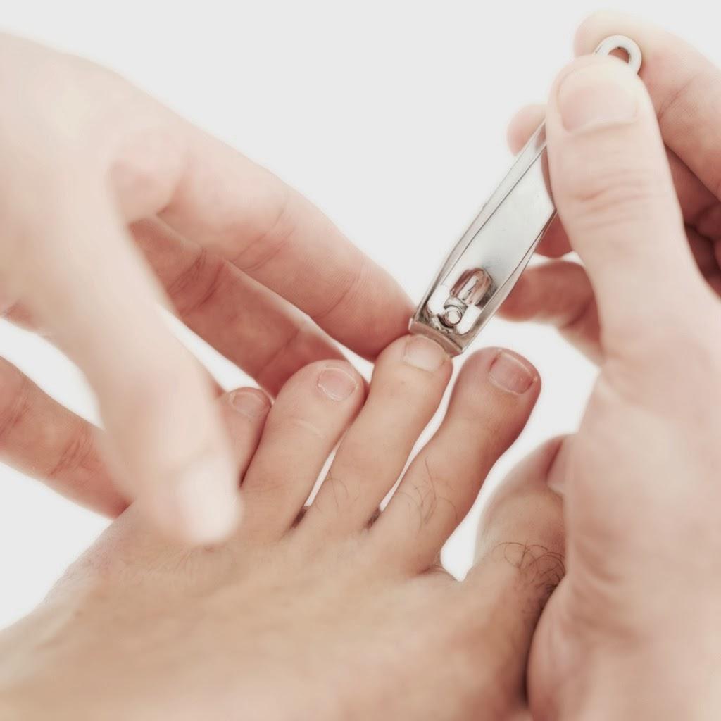 Pedicure-Cut-File-Nails