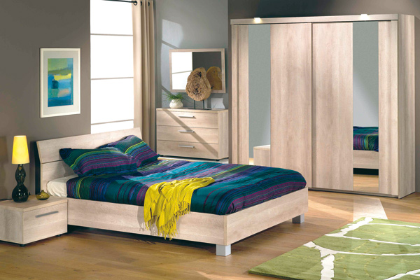 comment agrandir visuellement une petite chambre. Black Bedroom Furniture Sets. Home Design Ideas