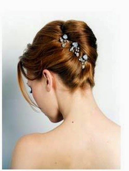 Latest Bun And Messy Bun Hair Styles For Young Brides From