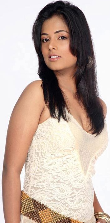 Sindhu Menon Photo Gallery