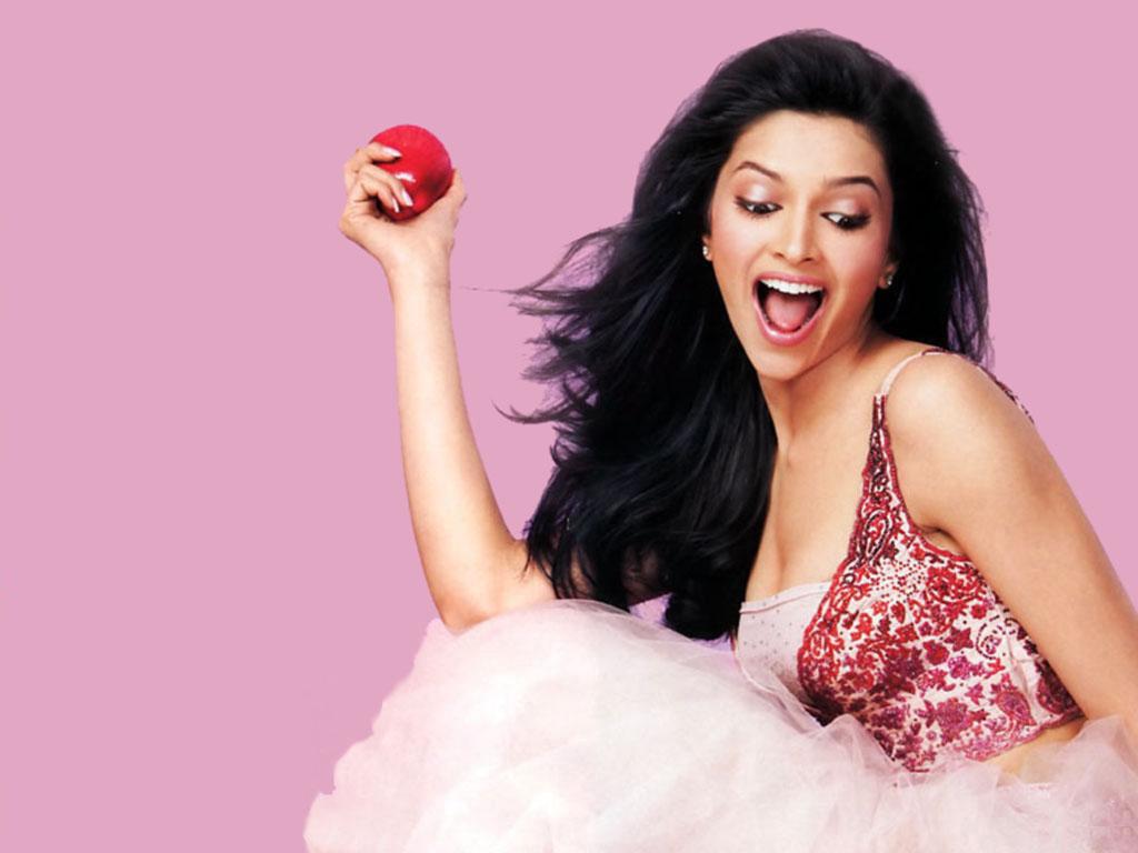 http://4.bp.blogspot.com/-_jYLDfDrTbc/TkDfEWzvV2I/AAAAAAAAAPM/CDHby0FRKX4/s1600/Deepika+Padukone+Bollywood+Actress6.jpg