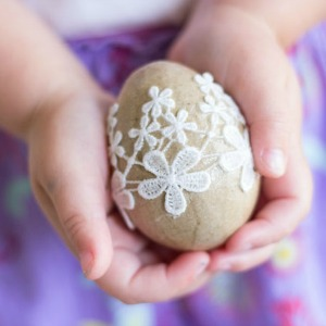 Featured Project: Lace Eggs