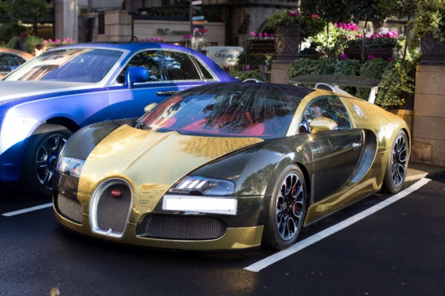 luxury life design incredible gold bugatti veyron. Black Bedroom Furniture Sets. Home Design Ideas