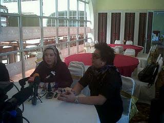 Gambar Azwan Ali dan Ummi Halfida Ali Dalam Sidang Akhbar Berhubung Ugutan Bunuh Azwan Terhadap Ummi Halfida