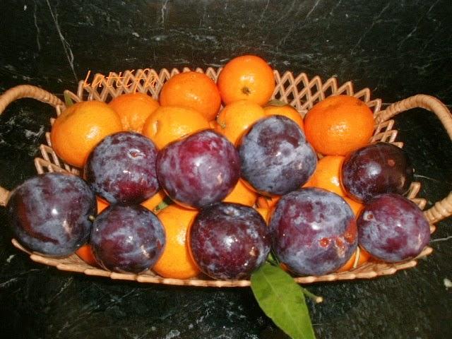 عصير لذيذ بالمندرين و البرقوق
