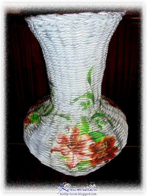Плетение из газет напольной вазы