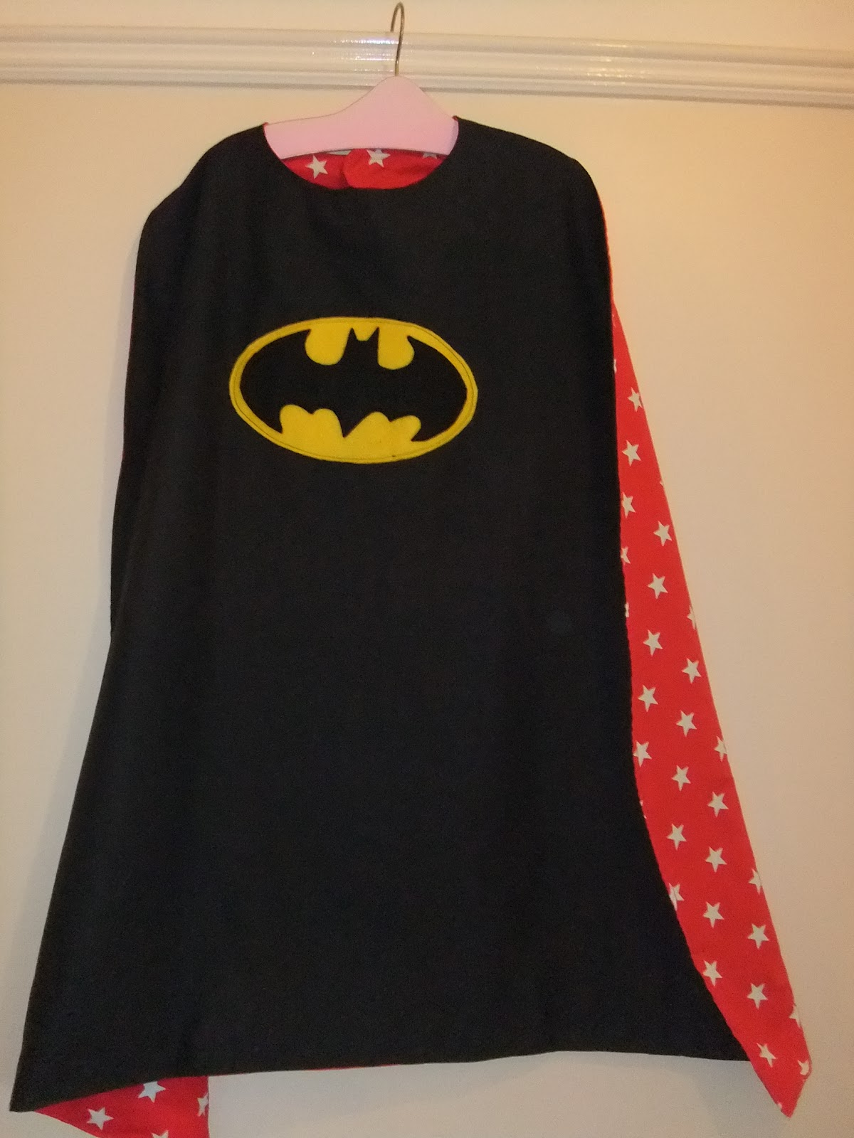 sew scrumptious reversible superhero cape tutorial