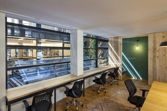 Podio de portada proyecto wrk ambientes de trabajo for Diplomado en interiorismo