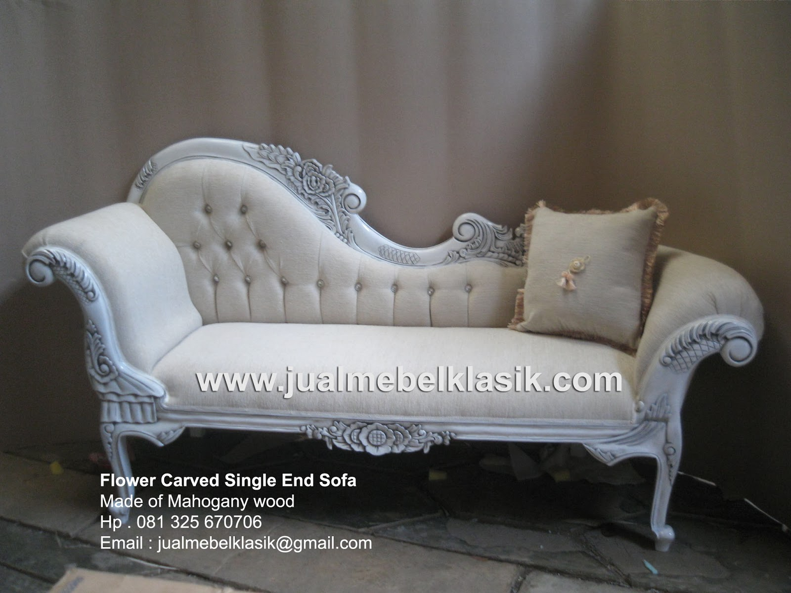 Indonesia classic furniture supplier antique sofa carved sofa single end finished in antique white painted