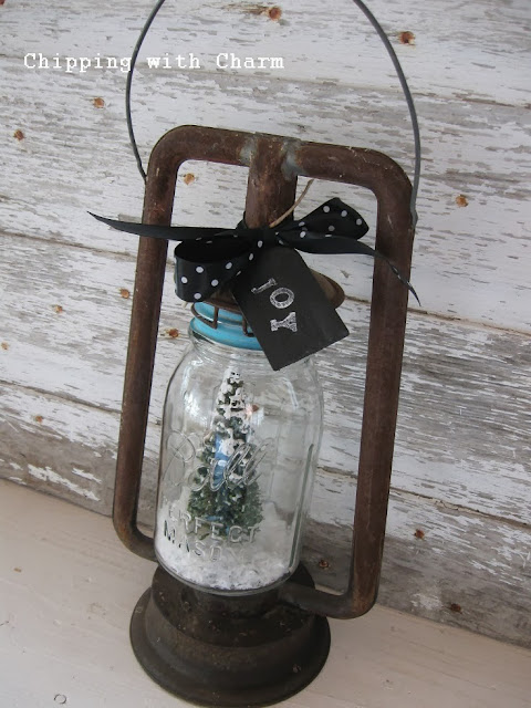 Chipping with Charm:  Lantern+Ball Jar=Snow Globe...http://www.chippingwithcharm.blogspot.com/