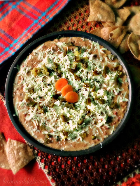 Dip de Frijoles con Chorizo - lacocinadeleslie.com
