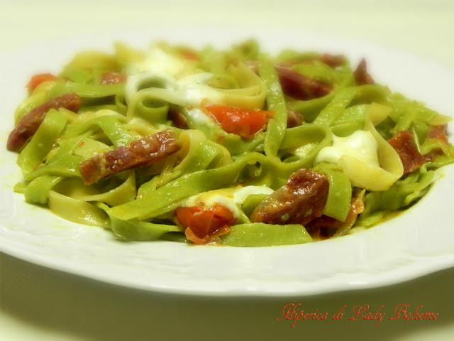 hiperica_lady_boheme_blog_cucina_ricette_gustose_facili_e_veloci_tagliatelle_paglia_e_fieno_con_fontina_3