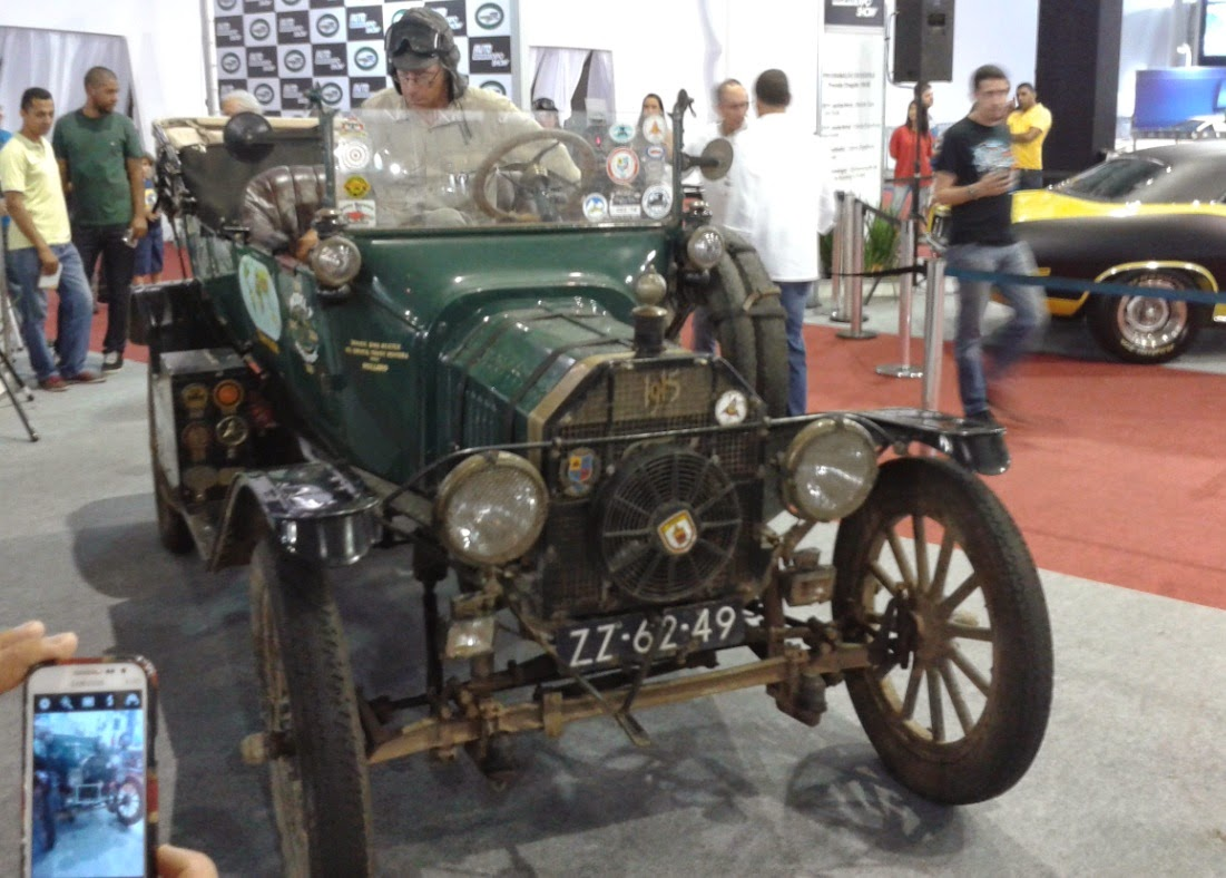 Ford T 1915 com um cooler adaptado no radiador para andar nos trópicos.