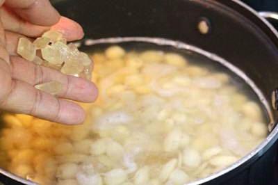 Vietnamese Food - Chè Đậu Ván Hạt Sen